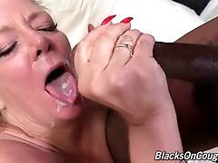 Karen Summer Tastes Black Guy`s Fresh Spunk 2